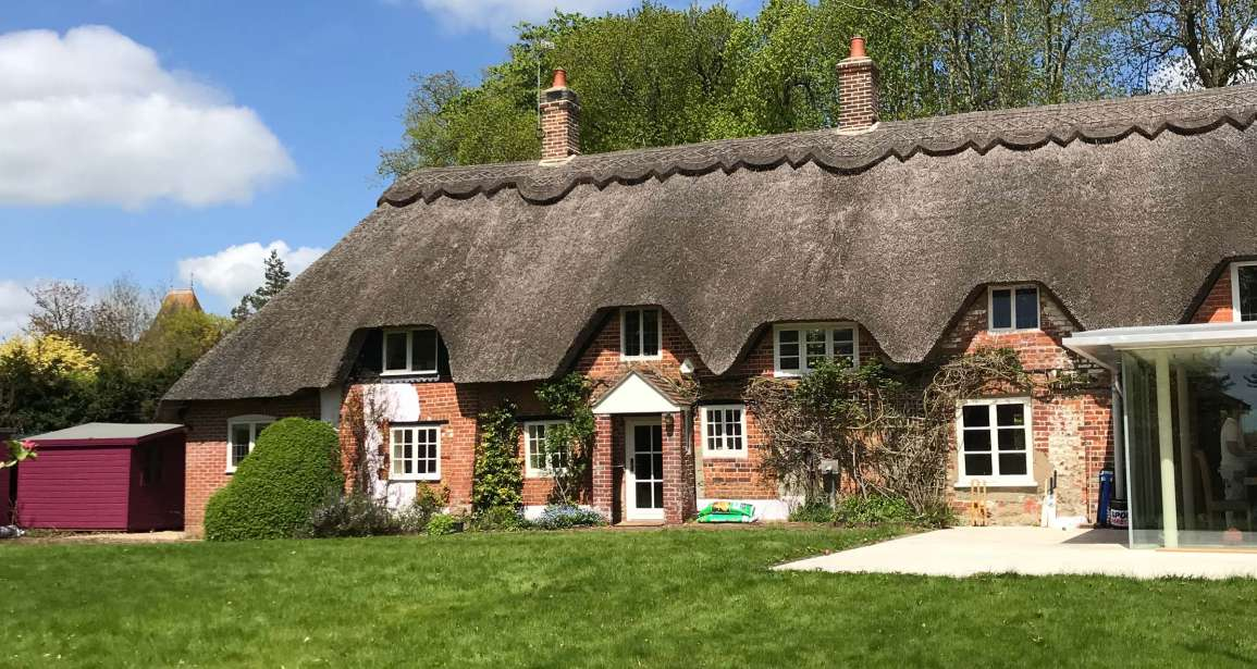 Featured - Refurbishment Listed Thatched Cottage Iwerne Minster - Emerald Painters Portfolio