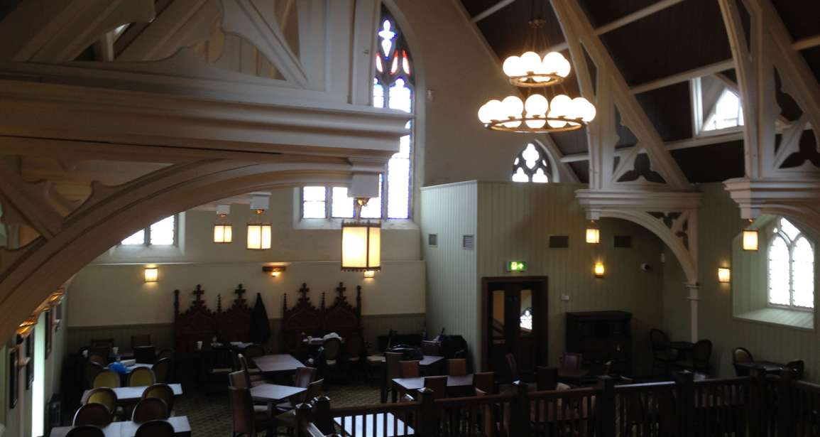 Decorating of Wetherspoons Pub – Newport, Isle of Wight
