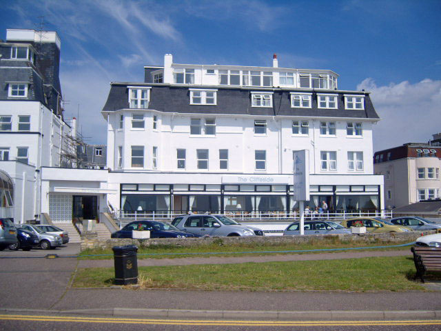 Decorating of the Cliffside Hotel in Bournemouth - Emerald Painters Portfolio