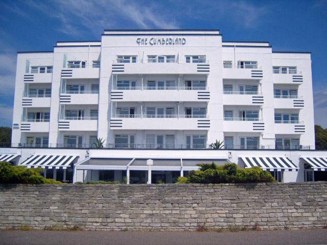 Decorating of the Cumberland Hotel Bournemouth - Emerald Painters Portfolio
