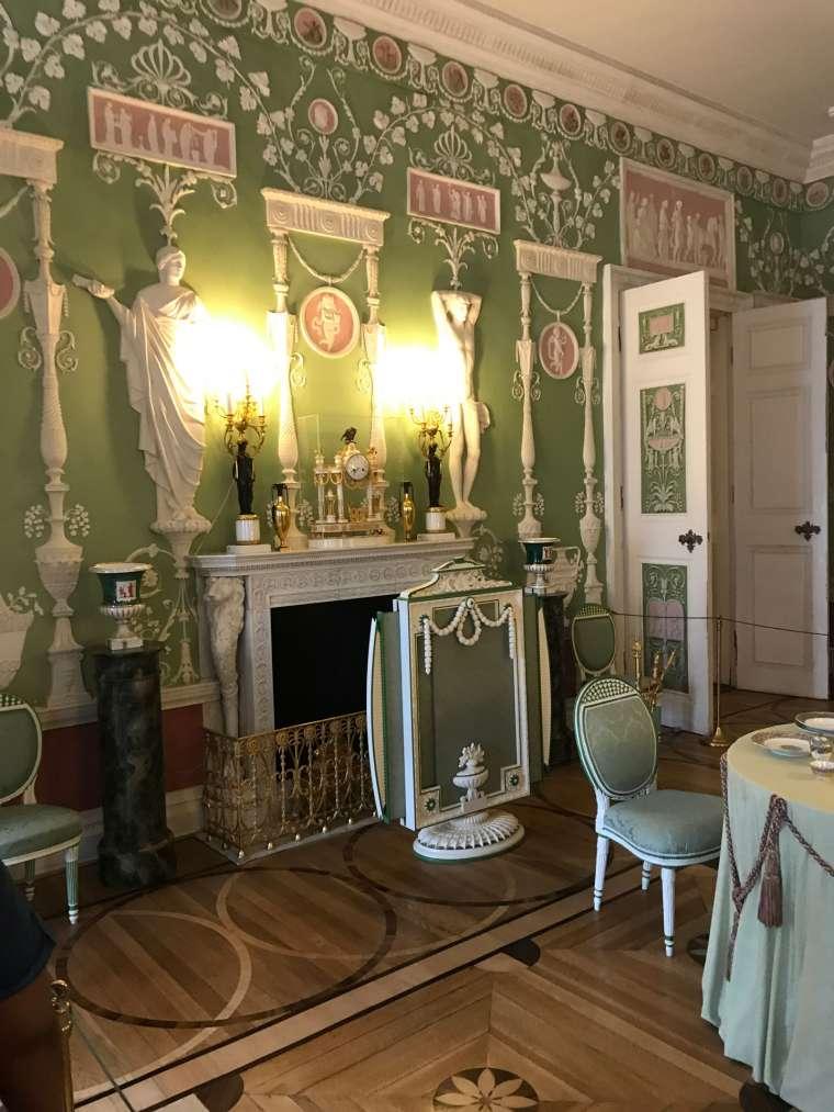 Internal Decoration to a Green Theme - Emerald Painters Portfolio
