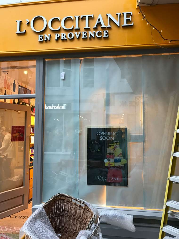L'Occitane Shopfront Shop Fitting - Emerald Painters Portfolio